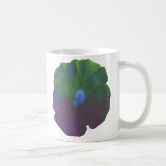 虹のペチュニアのマグ コーヒーマグカップ