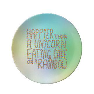 虹のユニコーンの食べ物のケーキより幸せ 磁器プレート