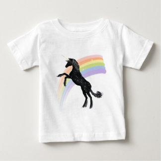 虹のユニコーン ベビーTシャツ