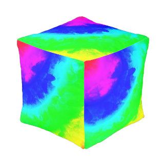 虹のリングの抽象的なキューブパフ プーフ