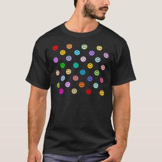 虹の多彩なスマイリーフェイスパターン Tシャツ