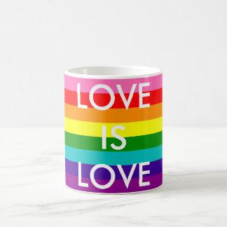 虹の旗のゲイプライドLGBT 8のストライプな愛は愛です コーヒーマグカップ