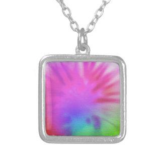 虹の絞り染め シルバープレートネックレス