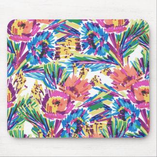 虹の落書きの手描きのカラフルな花 マウスパッド