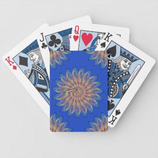 虹の螺線形の花のデザイン-青い背景 バイスクルトランプ