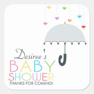 虹の雨滴の灰色の傘のベビーシャワー スクエアシール
