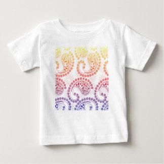 虹の風車のペイズリーのデザイン ベビーTシャツ