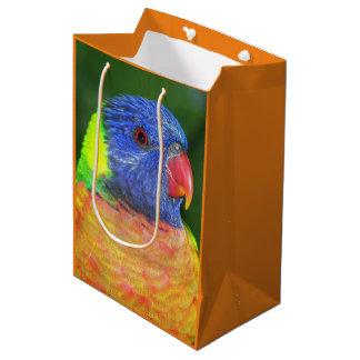 虹のLorikeetの写真 ミディアムペーパーバッグ