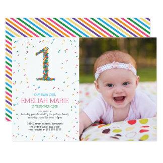 虹は第1誕生会の招待を振りかけます 12.7 X 17.8 インビテーションカード