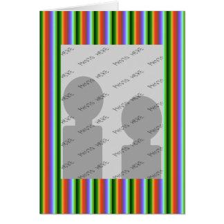 虹は縞で飾ります。 おもしろいの多色刷りパターン カード