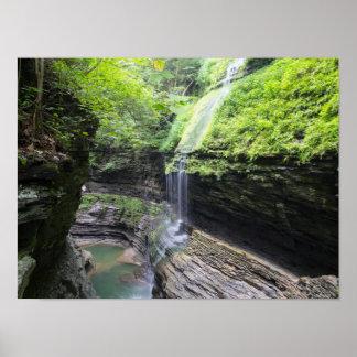 虹は、Watkinsの谷間の州立公園、ニューヨーク落ちます ポスター