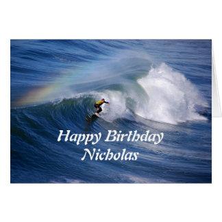 虹を持つニコラスのハッピーバースデーのサーファー グリーティングカード