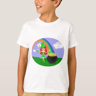 虹を持つSt Pat日の赤毛の女の子の小妖精 Tシャツ