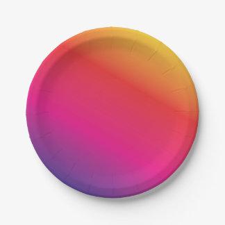 虹スペクトルのカラフル ペーパープレート