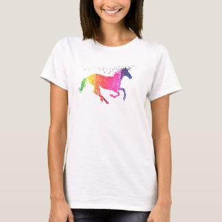 虹ピンクのユニコーン Tシャツ