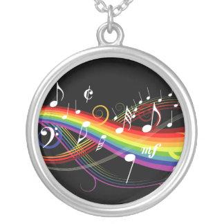 虹黒の白い音楽ノート シルバープレートネックレス