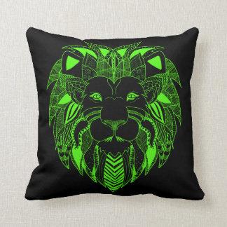 蛍光緑および黒いライオン クッション