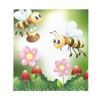 蜂および蜂蜜 ノートパッド