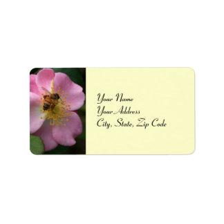 蜂の住所lablesを持つピンクのバラ ラベル