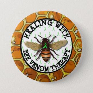 蜂の毒液のセラピーのLymeのリボンボタンによって治療 缶バッジ
