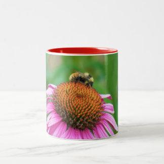 蜂のEchinacea ツートーンマグカップ