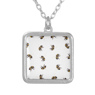 蜂をブンブンいう音 シルバープレートネックレス