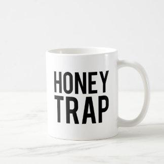 蜂蜜のトラップ コーヒーマグカップ