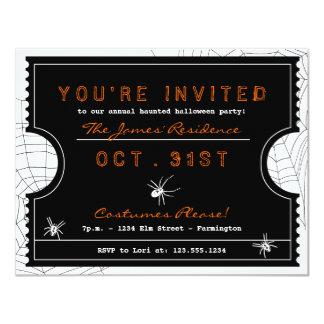 蜘蛛の巣のパーティの招待状が付いているハロウィンのチケット 10.8 X 14 インビテーションカード
