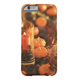 蝋燭およびミニチュアカボチャ BARELY THERE iPhone 6 ケース