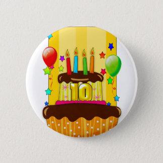 蝋燭のバッジが付いている第10お誕生日ケーキ 5.7CM 丸型バッジ
