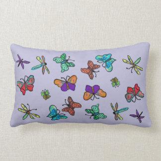 蝶およびトンボパターン ランバークッション