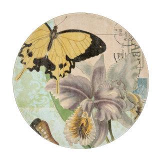 蝶および花が付いているヴィンテージの郵便はがき カッティングボード