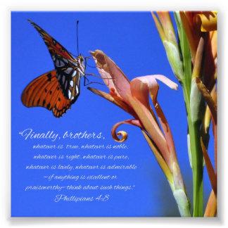 蝶および花のPhillipiansの4:8の聖なる書物、経典 フォトプリント