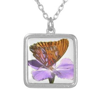 蝶および花 シルバープレートネックレス