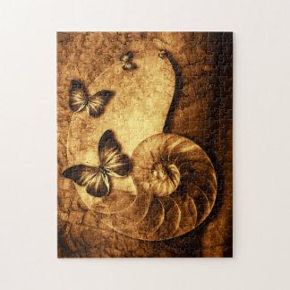 蝶および貝の化石のパズル ジグソーパズル