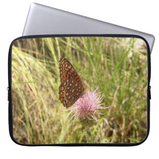 蝶が付いているラップトップスリーブ ラップトップスリーブ