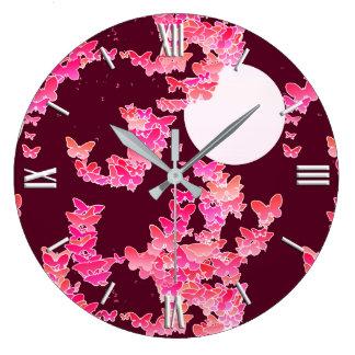 蝶とのMoonscape -ピンク、バーガンディ ラージ壁時計
