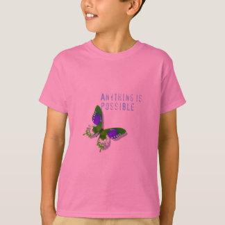蝶は何でも可能な子供のティーです Tシャツ