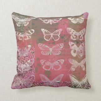蝶コラージュのクッション クッション