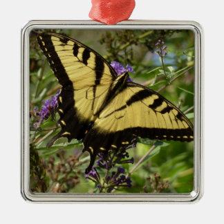 蝶ブッシュのカラフルの自然のアゲハチョウ メタルオーナメント
