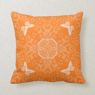 蝶円形浮彫りのヴィンテージの一見のオレンジ クッション