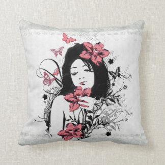 蝶女の子3の枕 クッション