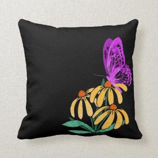 蝶庭のアクセントの枕 クッション