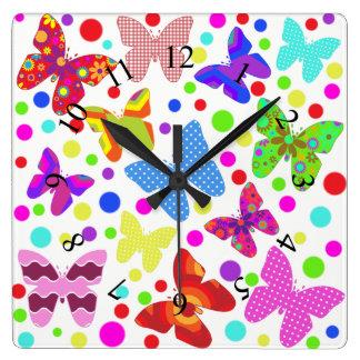 蝶水玉模様の多彩でかわいい動物の子供部屋 スクエア壁時計