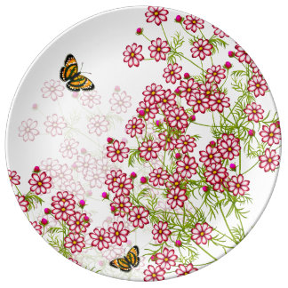 蝶磁器皿が付いているCosmoの花 磁器プレート
