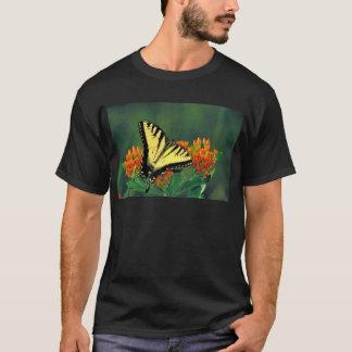 蝶雑草のトラのアゲハチョウ Tシャツ