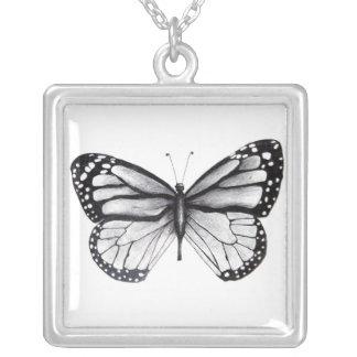 蝶 シルバープレートネックレス