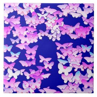 蝶、ラベンダーおよび濃紺 タイル