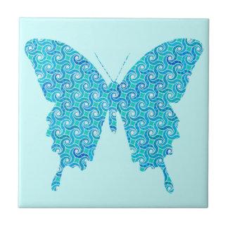 蝶、青、白いターコイズのパターン タイル