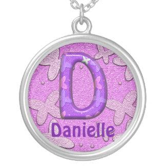 蝶Necklace~Letter紫色のD~Customizeの名前 シルバープレートネックレス